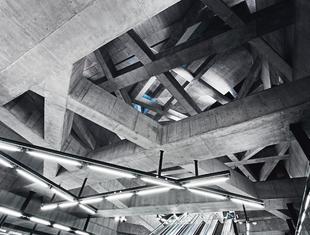 Dwie stacje metra w Budapeszcie