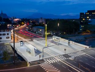 Szerszy niż dłuższy: most - plac w Austrii